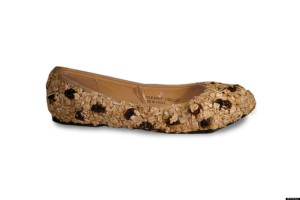 I prefer oatmeal with my raisin shoe.